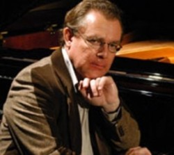 Hüseyin Sermet pianist