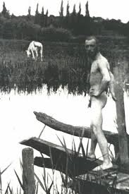 Igor Stravinsky bathing (1911)