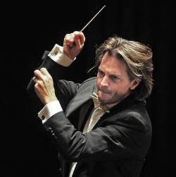 Daniel Meyer conductor